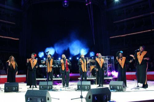 01_Harlem Gospel Choir (12)