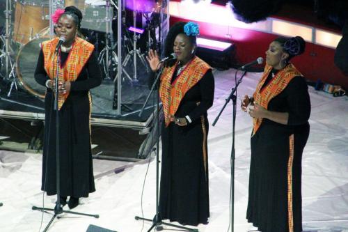 01_Harlem Gospel Choir (16)